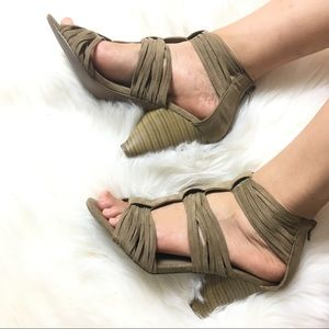 Forever 21 tan strappy heels faux suede